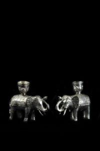 elefante con candeliere in bronzo argentato.